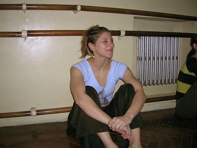 """Julia Montiliengo. Ensayo """"Y Todo es Tap"""", de Alberto Agüero, Geba, Martes 7 octubre 2006."""