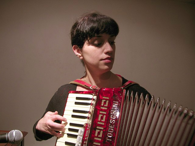 Luz Yarj. Jueves 9 noviembre 2006.