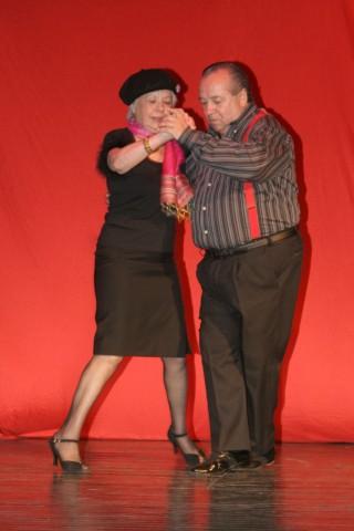 """Enrique Carmona en """"Luces y Sombras"""", Tango Borquez, 28nov2007, Teatro Geba [Foto Cristina Rivera]"""