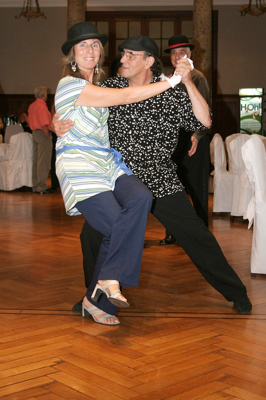 Claudia Tarazona<br>Cena y Baile viernes 28diciembre2007, en Geba San Martín [Foto Cristina Rivera]