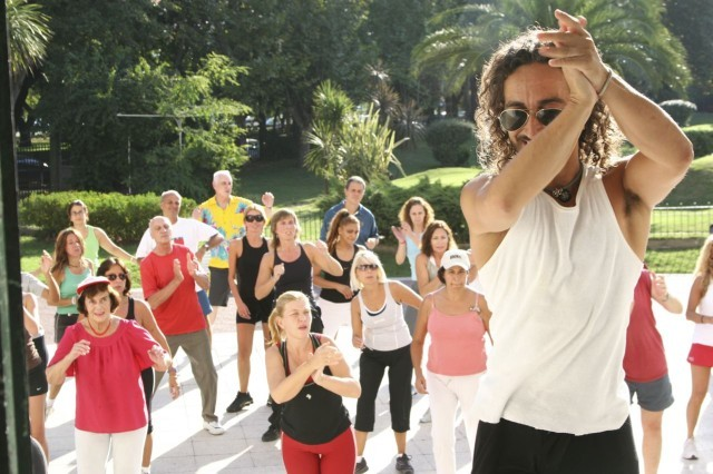 Sol Ritmo y Fotos<br>Clase de Aerolatino con el Profesor Carlos (Charly) Calatrava el domingo 6 de abril 2008<br>[Foto Cristina Rivera para la Newsletter Aerolatino de Geba]