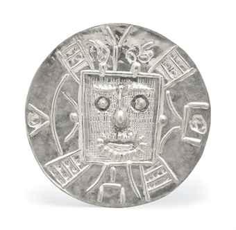 Pablo Picasso (1881-1973)Visage dans un carréavec le cachet et numéroté 'Picasso 14/20' (au revers)plat en argentDiamètre: 42 cm. (16 in.)Conçu en 1957 et exécuté en argent dans une édition de 20 exemplaires SALE 3567 — Lot 32ART IMPRESSIONNISTE ET MODERNE3 December 2013ParisEstimate €35,000 – €55,000 ($47,596 - $74,794)